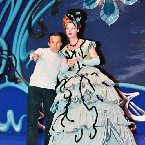 Bernard Pisani avec Jeane Manson pendant la mise en scène de TROIS VALSES au Théâtre du Gymnase Marseille