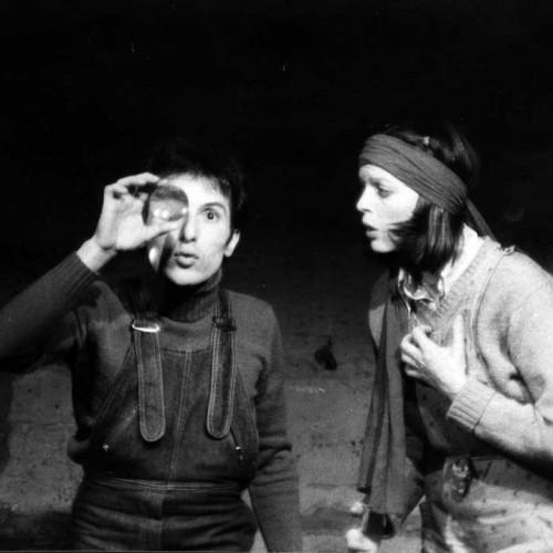 """Bernard Pisani avec Sabine Delouvrier dans """"Il pleut si on tuait Papa Maman"""" de Yves Navarre au Coupe-chou Beaubourg"""